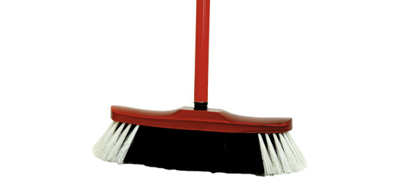 Room broom with handle, natural fibre