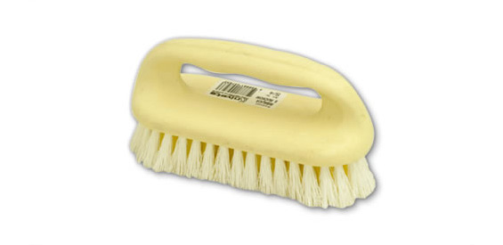 Scrubbing brush with handle